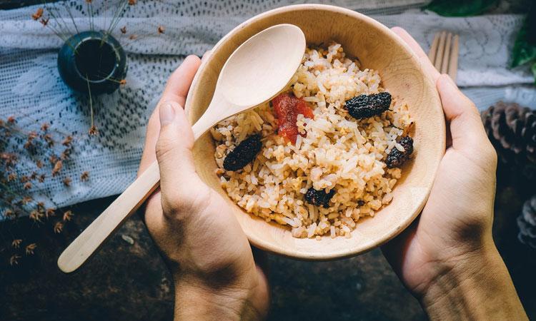 mantener el arroz caliente
